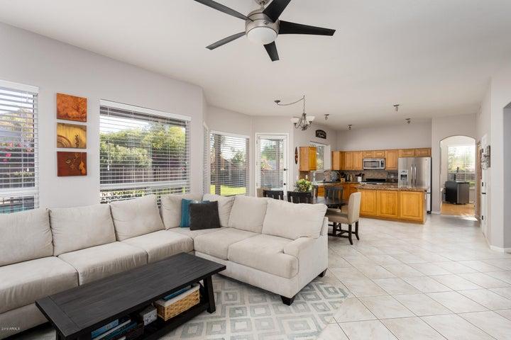 5401 E ANDERSON Drive, Scottsdale, AZ 85254