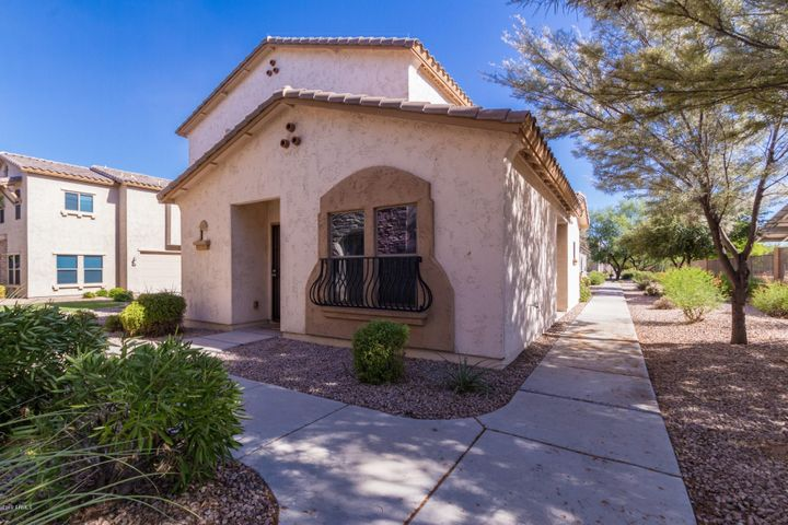 17760 W WOODROW Lane, Surprise, AZ 85388