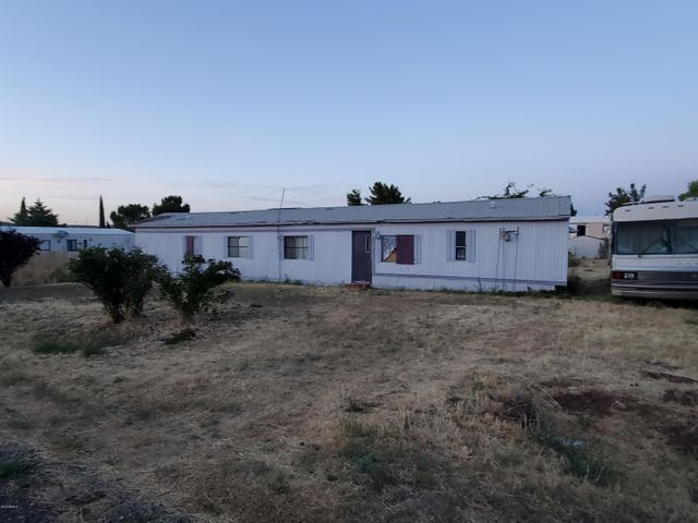 17290 E FAIRWAY Drive, Mayer, AZ 86333