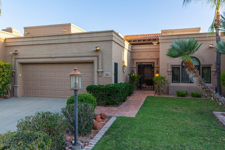 8723 E PARAISO Drive, Scottsdale, AZ 85255