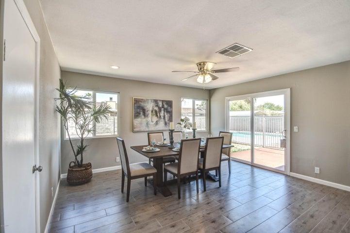7428 W SUNNYSLOPE Lane, Peoria, AZ 85345