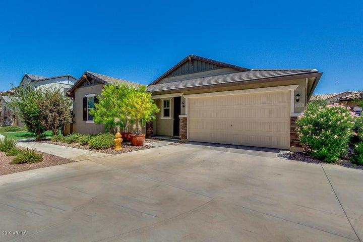 208 E BLUEJAY Drive, Chandler, AZ 85286