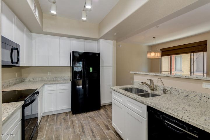 New Kitchen Cabinets, New Granite tops, New Appliances!