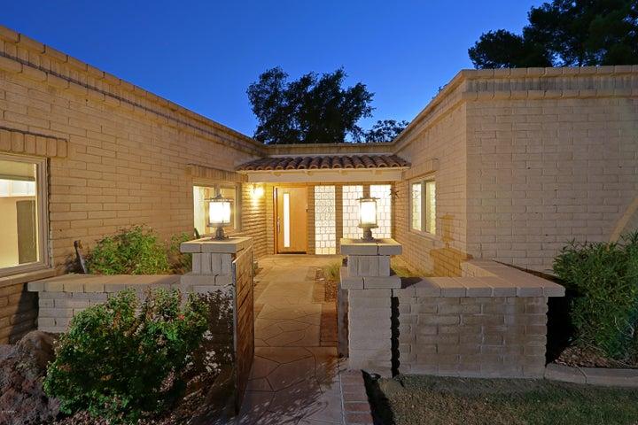 3539 E MEDLOCK Drive, Phoenix, AZ 85018