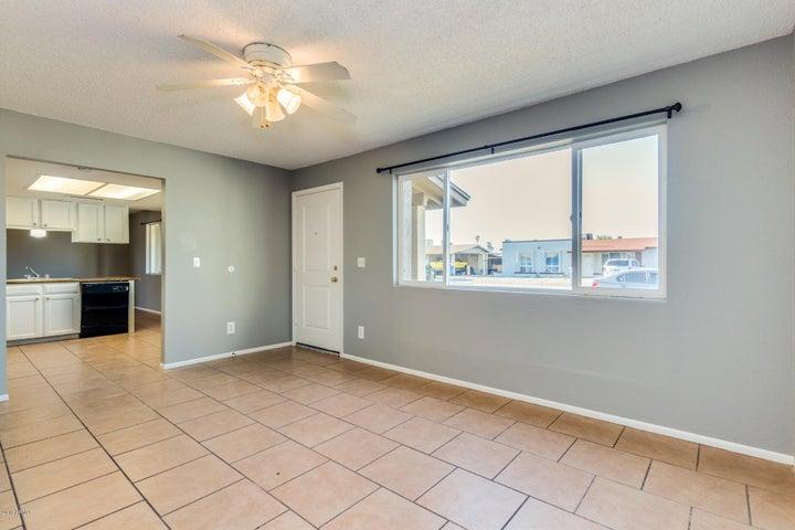 8837 W PINCHOT Avenue, Phoenix, AZ 85037