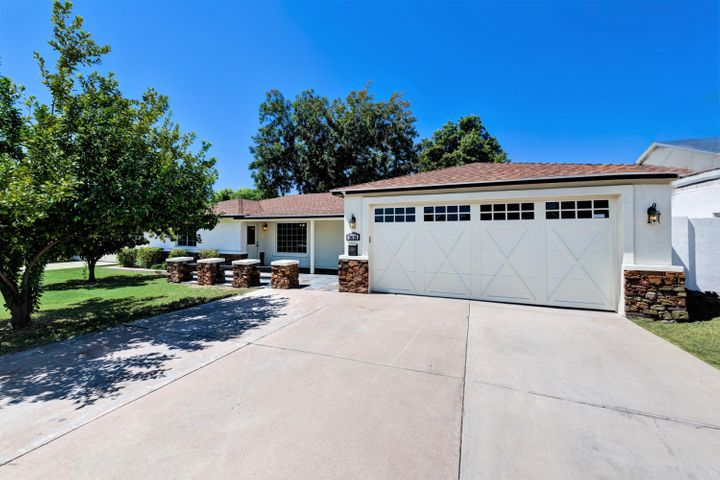3610 N 44TH Place, Phoenix, AZ 85018