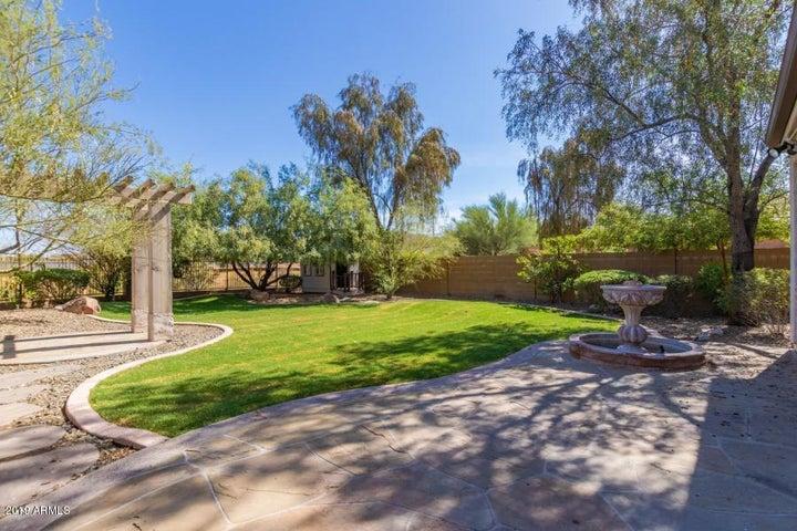 1928 W BLACK HILL Road, Phoenix, AZ 85085