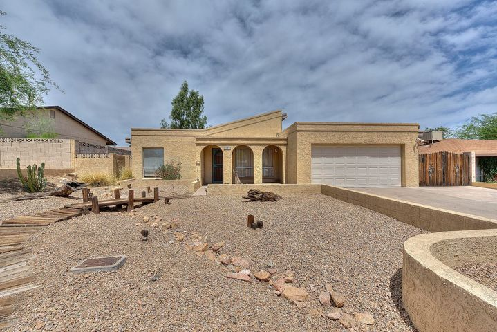 2032 E JANICE Way, Phoenix, AZ 85022