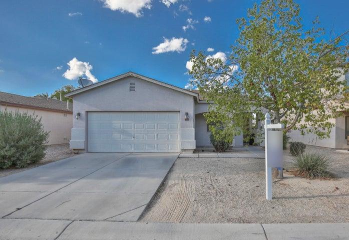 1212 E SILKTASSEL Trail, San Tan Valley, AZ 85143