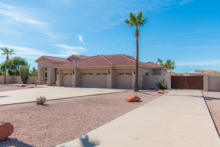 817 W CLOUD Road, Phoenix, AZ 85086