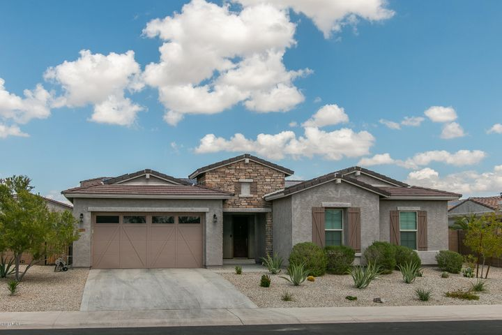 18406 W VERBENA Drive, Goodyear, AZ 85338