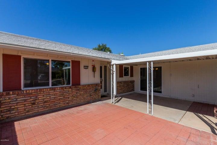 13626 N EMBERWOOD Drive, Sun City, AZ 85351
