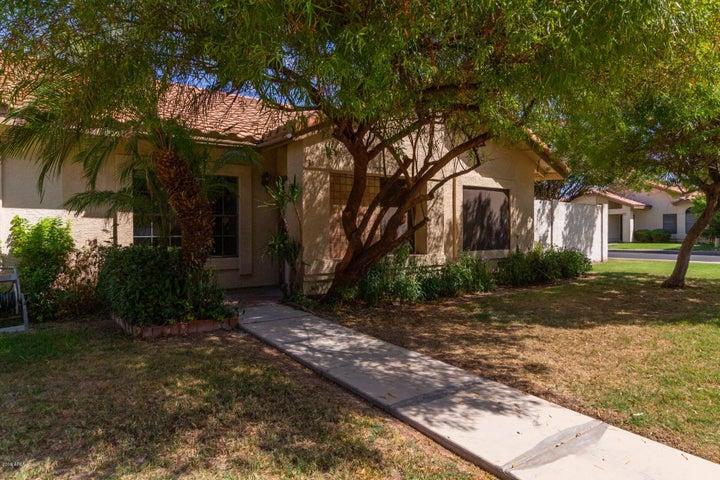 968 E VAUGHN Avenue, Gilbert, AZ 85234