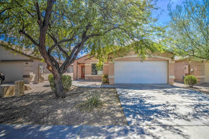 13811 W PECK Drive, Litchfield Park, AZ 85340