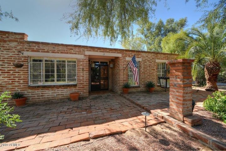 6706 N JOSHUA TREE Lane, Paradise Valley, AZ 85253