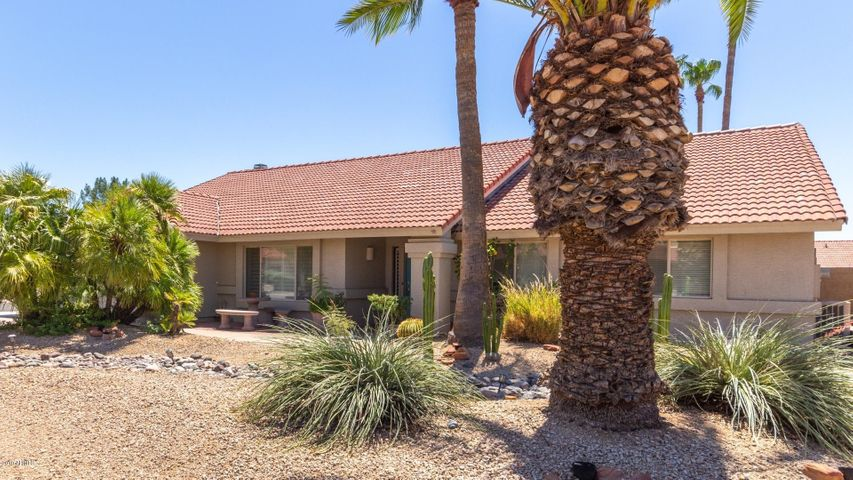 5729 E ANDERSON Drive, Scottsdale, AZ 85254