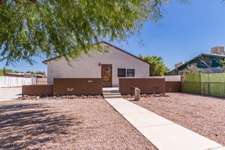 15827 N Greasewood Street, Surprise, AZ 85378