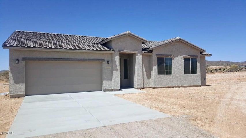 48330 N 27th Avenue, New River, AZ 85087