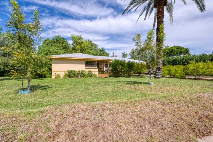 3944 E ROMA Avenue, Phoenix, AZ 85018