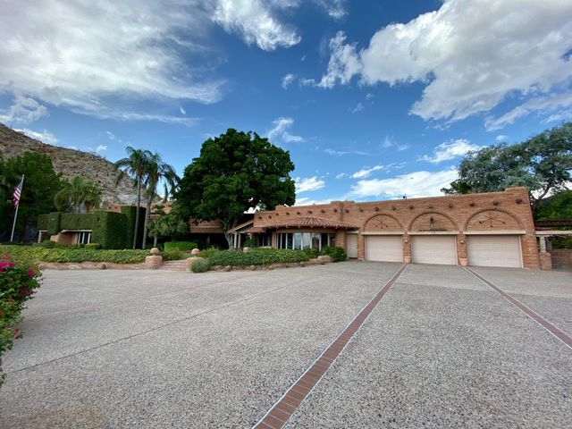 4502 E MOONLIGHT Way, Paradise Valley, AZ 85253