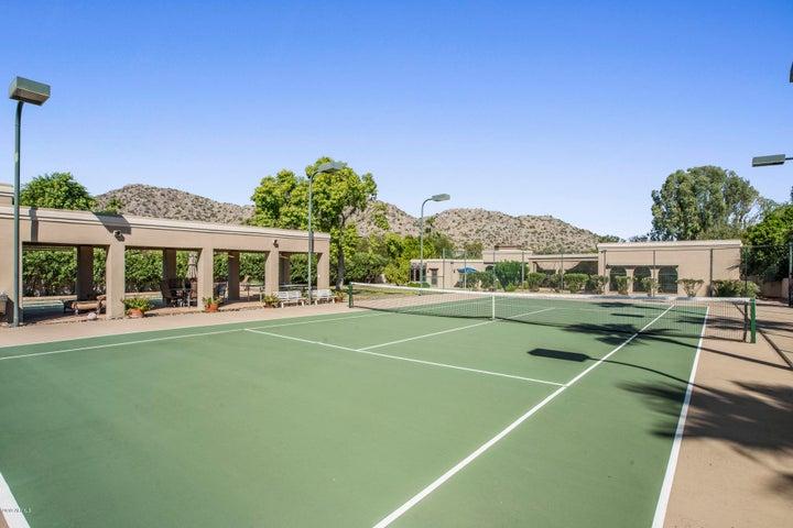 4527 E Horseshoe Road, Phoenix, AZ 85028