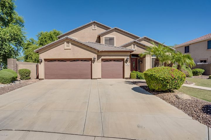 42 E BENRICH Drive, Gilbert, AZ 85295
