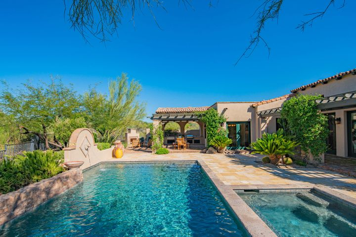 Enjoy the outdoors with a perfectly sized pool and spa.