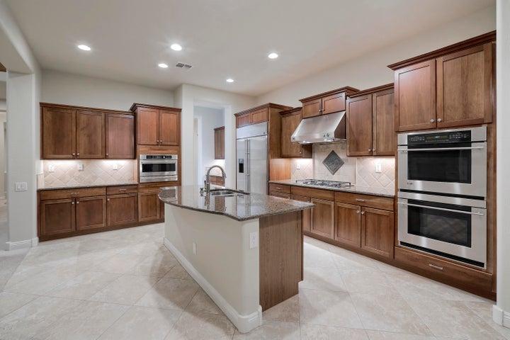 3826 E QUAIL Avenue, Phoenix, AZ 85050