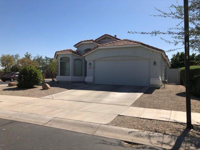 15713 W LATHAM Street, Goodyear, AZ 85338