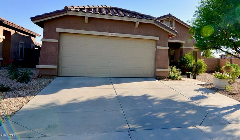 25603 W CROWN KING Road, Buckeye, AZ 85326