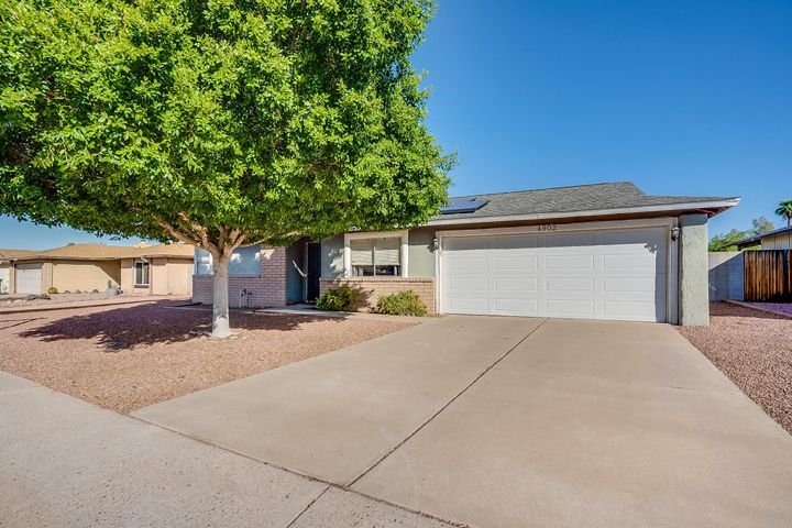 4902 W GROVERS Avenue, Glendale, AZ 85308