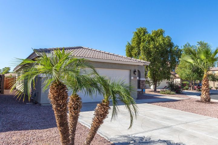 7450 S SUNDOWN Court, Buckeye, AZ 85326