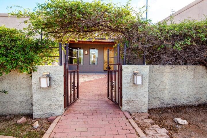 14015 E Quail Track Road, Scottsdale, AZ 85262