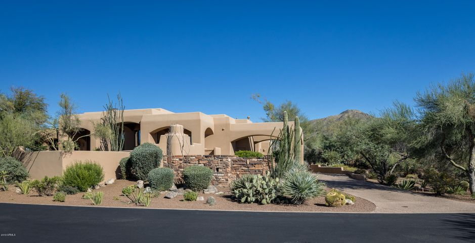 10672 E PROSPECT POINT Drive, Scottsdale, AZ 85262