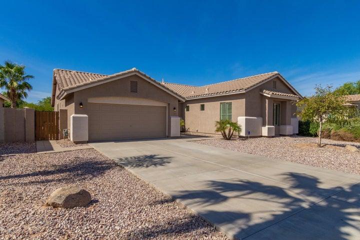 2740 S SETON Avenue, Gilbert, AZ 85295