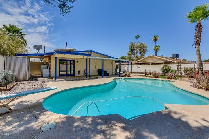 324 W Santa Cruz Drive, Tempe, AZ 85282