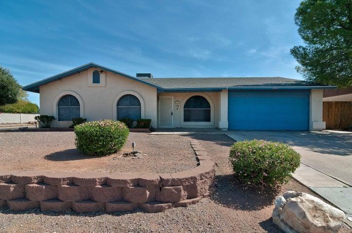 2211 N Bullmoose Drive, Chandler, AZ 85224