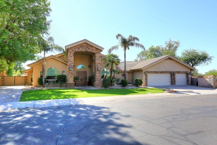 10015 E CORRINE Drive, Scottsdale, AZ 85260