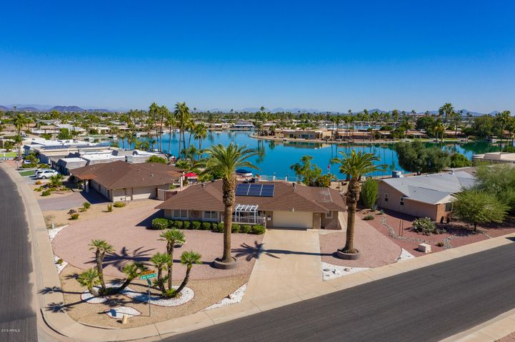 13827 N LAKESHORE Point, Sun City, AZ 85351
