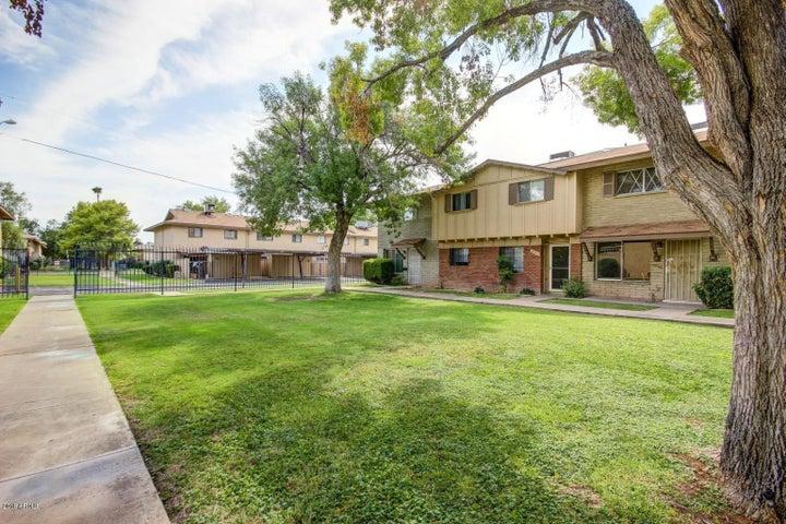 6715 N 44TH Avenue, Glendale, AZ 85301