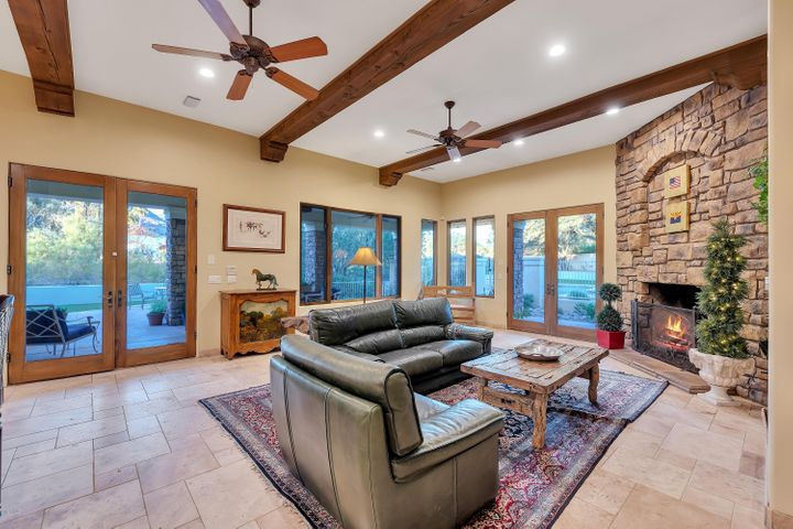 6225 N 38TH Street, Paradise Valley, AZ 85253