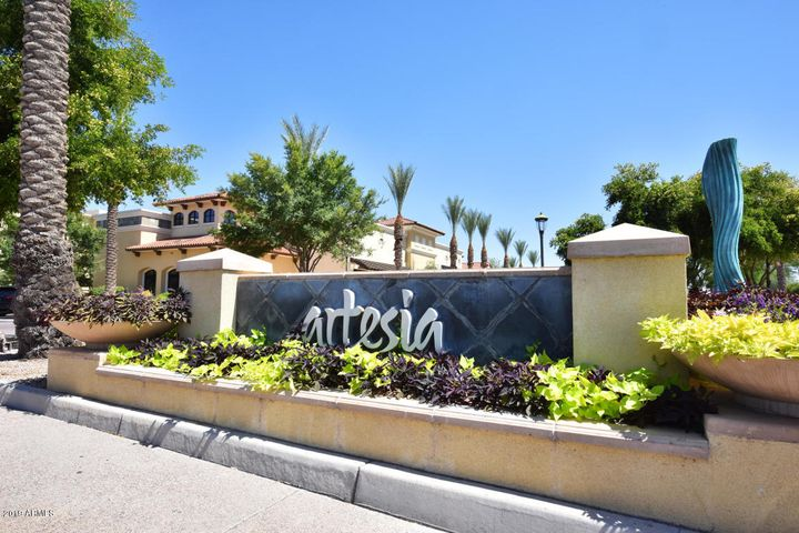 7291 N SCOTTSDALE Road, 1016, Paradise Valley, AZ 85253