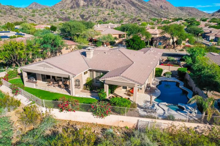 Jewel in the desert. Check out this picture perfect setting!