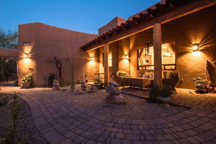 39855 N ECHO CANYON Drive, Cave Creek, AZ 85331