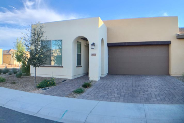 737 E MYRTLE Pass, San Tan Valley, AZ 85140