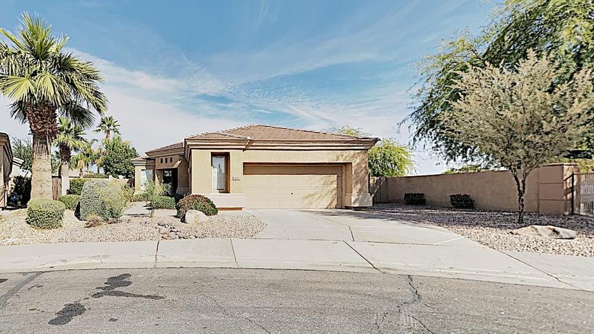 822 W RAVEN Drive, Chandler, AZ 85286