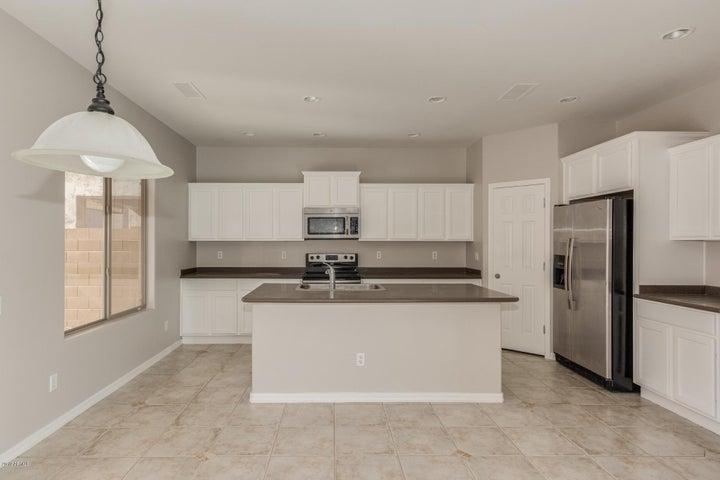 2021 W MARCONI Avenue, Phoenix, AZ 85023