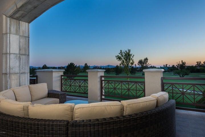 2 BILTMORE Estate, 205, Phoenix, AZ 85016