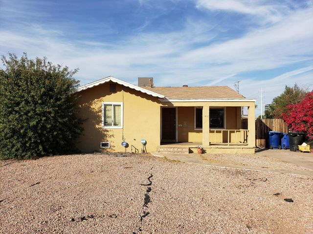 Investor special - two homes on a single lot located near downtown Tempe
