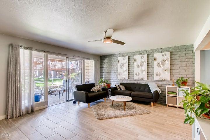 8000 N CENTRAL Avenue, 1, Phoenix, AZ 85020